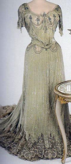 Vestido oficial de los Romanovs - Página 5 LamanovaforAlix