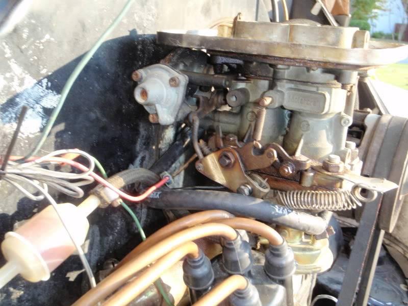 Help IDing a 2 barrel carb on a bugpack intake. PA250034