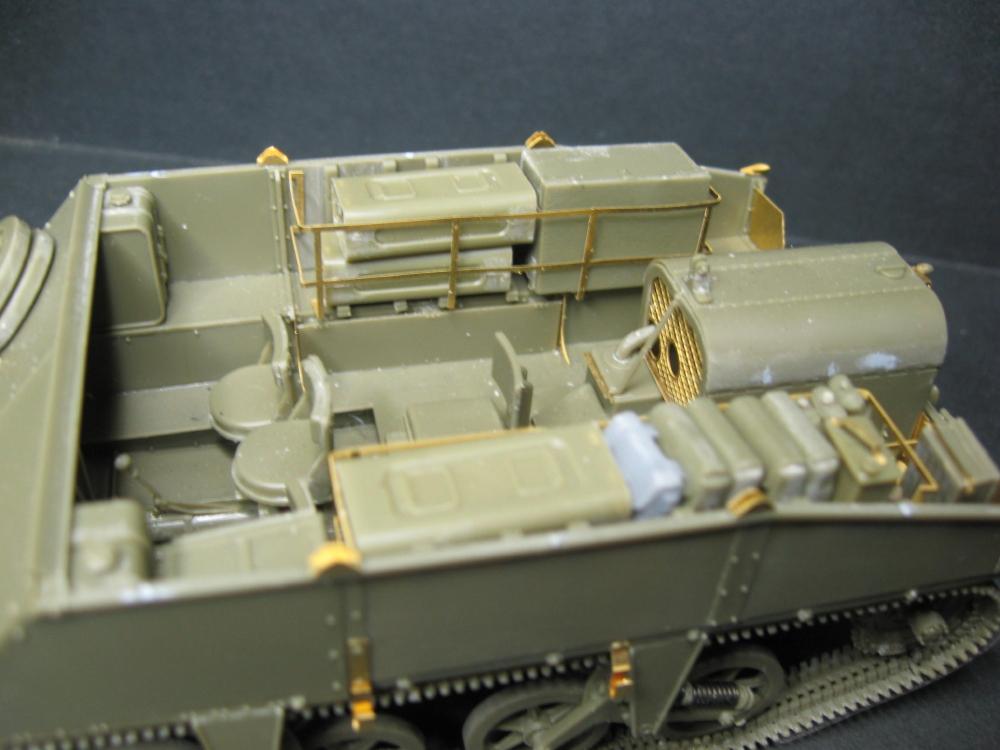 Chenillettes Loyd Carrier de chez Bronco contre Universal Carrier de chez Riich IMG_4844_2