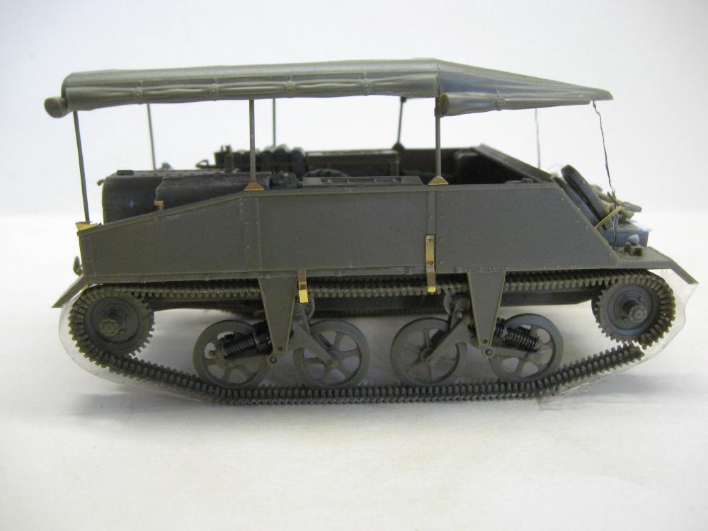 Chenillettes Loyd Carrier de chez Bronco contre Universal Carrier de chez Riich IMG_4916_1
