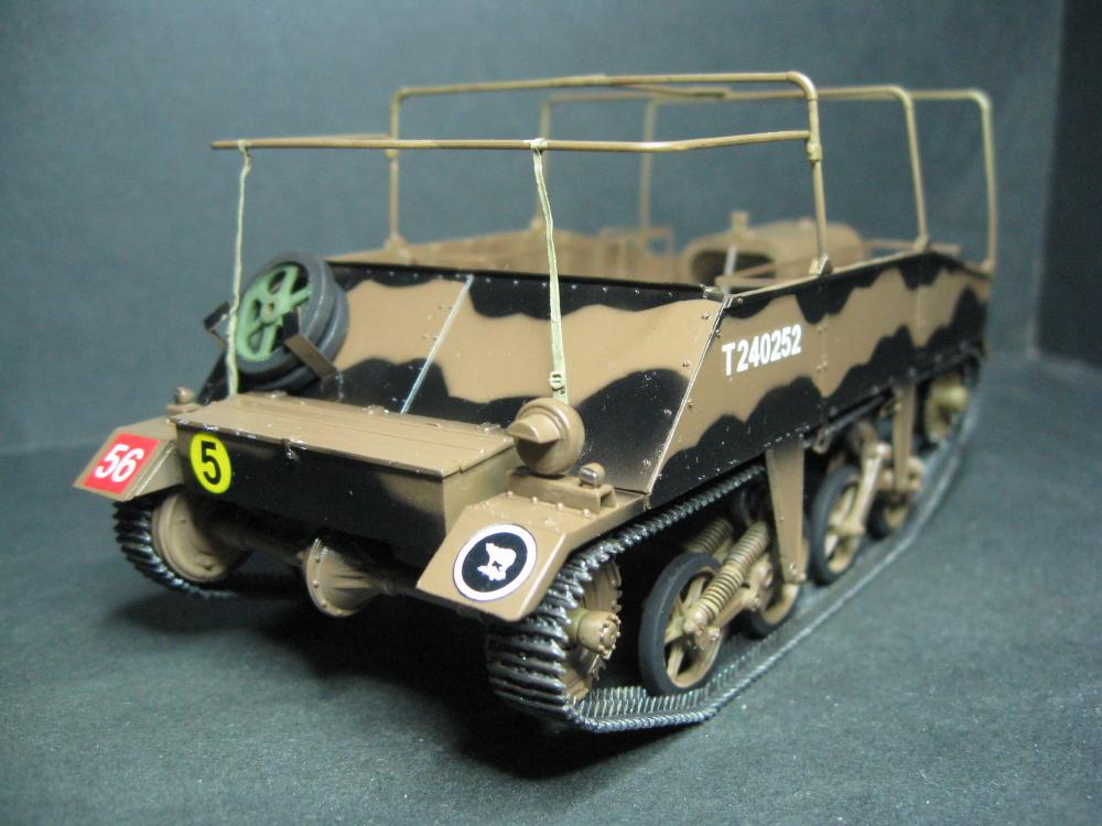 Chenillettes Loyd Carrier de chez Bronco contre Universal Carrier de chez Riich IMG_4932_5