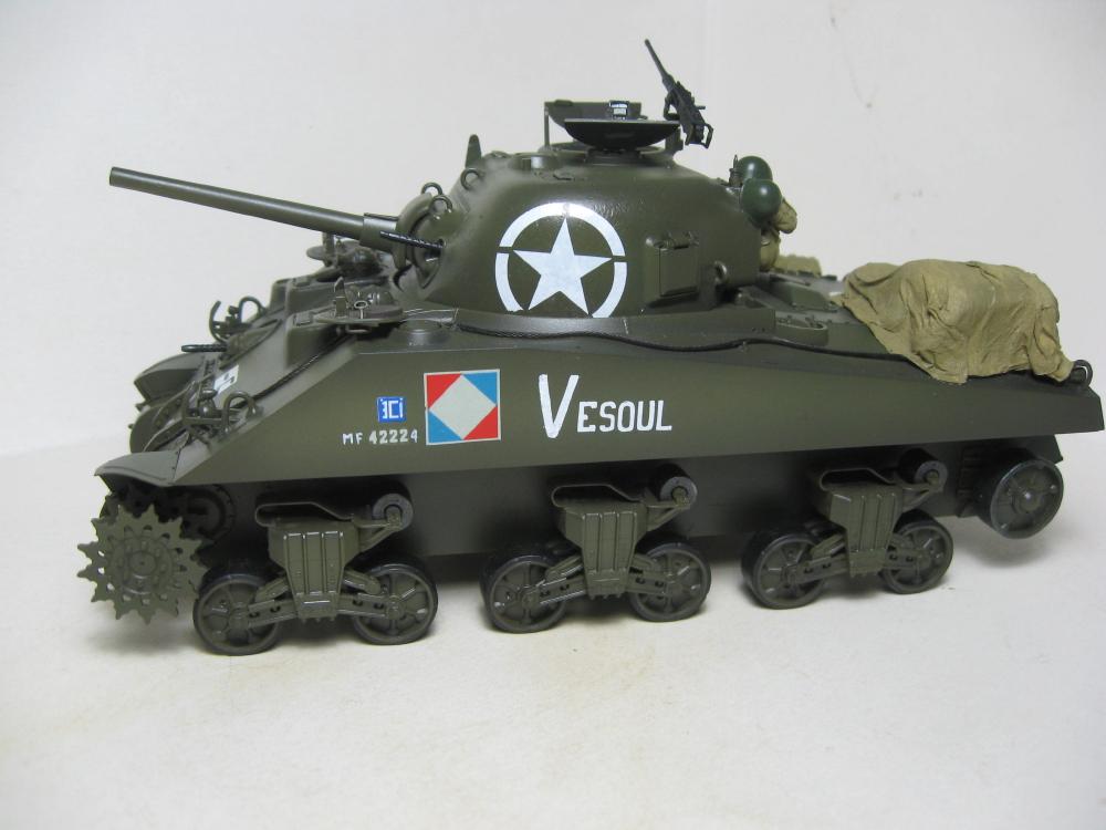 Sherman M4A2 et M4A4 français IMG_5375_1