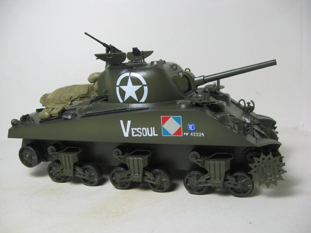 Sherman M4A2 et M4A4 français IMG_5377_3