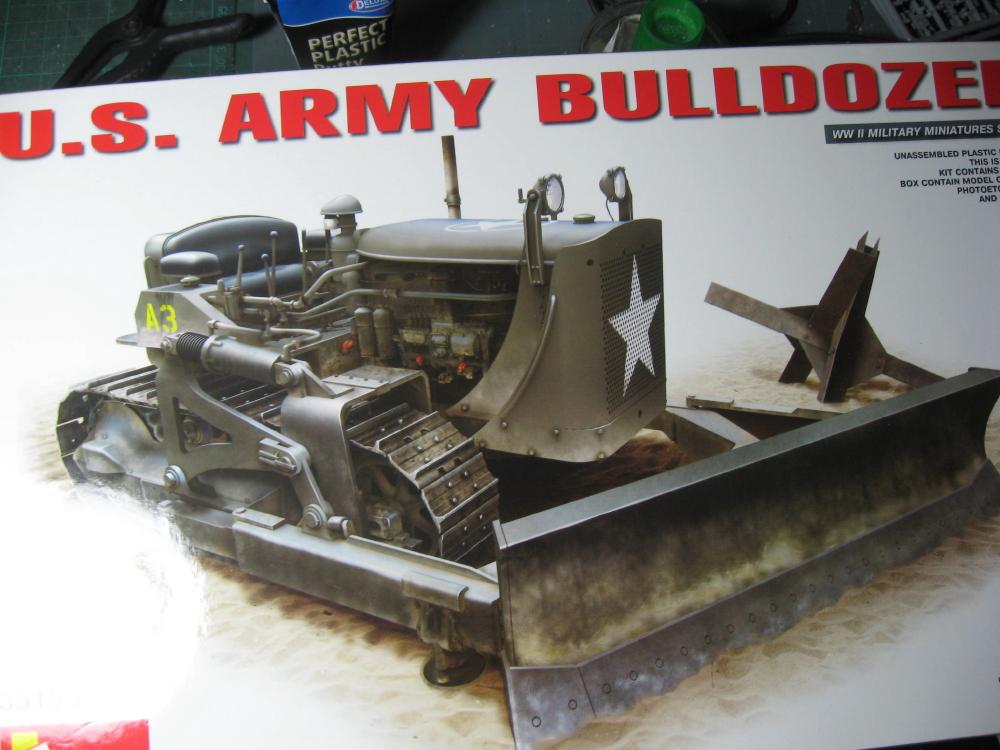 Bulldozer Caterpillar D7 avec lame hydraulique (terminé le 08/10/15) IMG_5397_4
