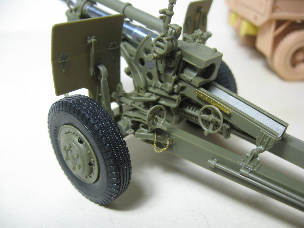 GMC 352 Hobby Boss et M1A1 105mm AFv Club IMG_5595_6