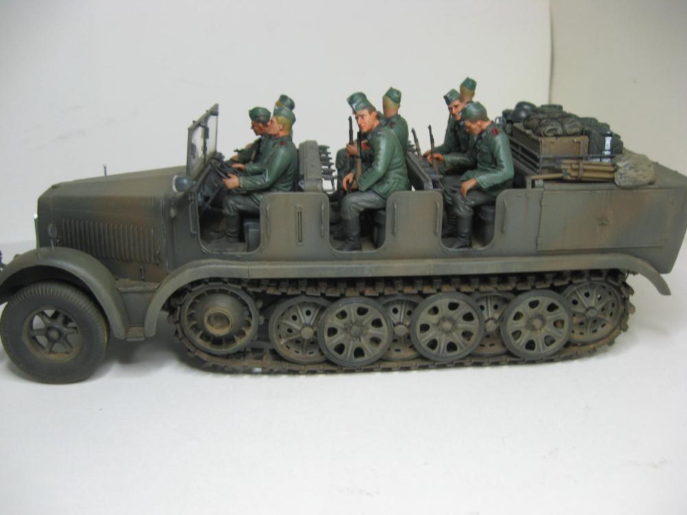 Sdkfz.7 et SF.H 18 105mm IMG_5656_5