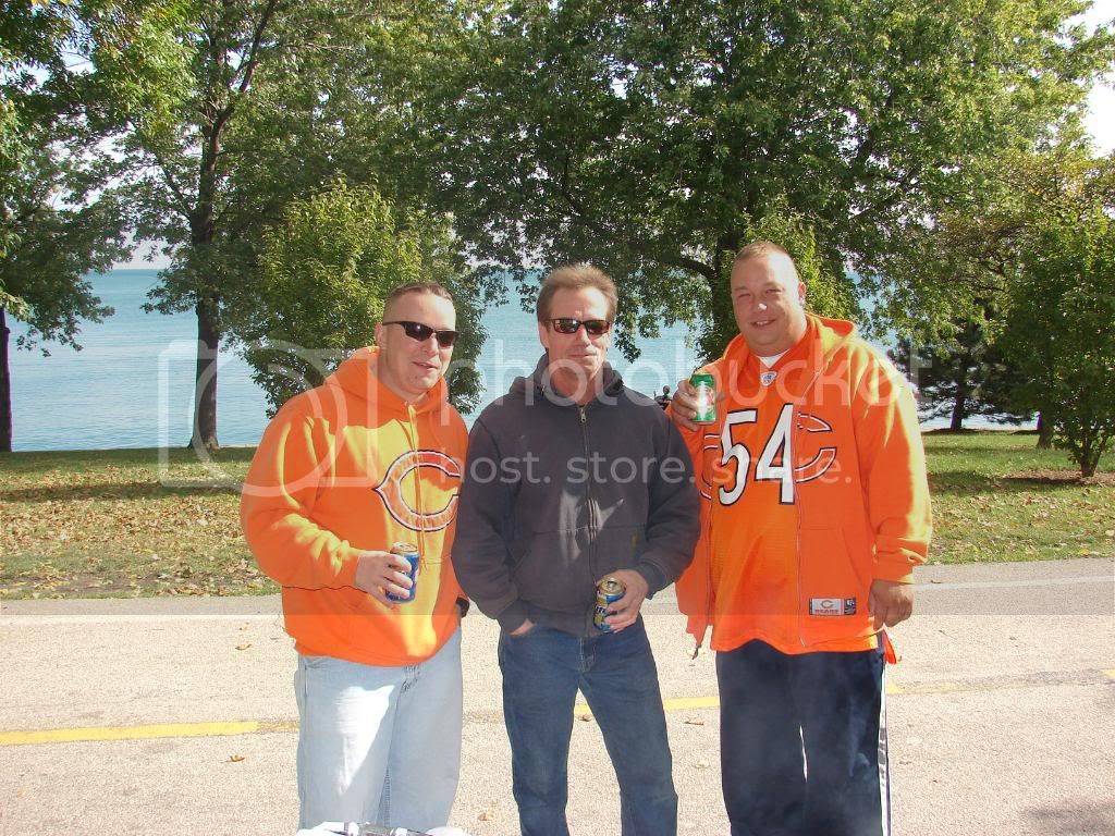 Pics from the BEARS game........ pic heavy! DSC03105