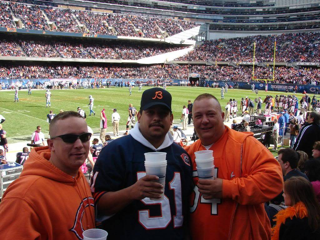 Pics from the BEARS game........ pic heavy! DSC03160