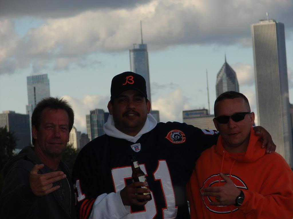 Pics from the BEARS game........ pic heavy! DSC03182