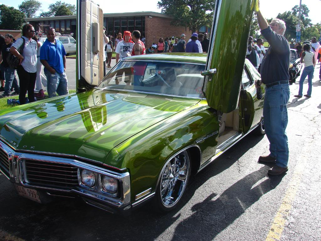 Pics from the WGCI car show today DSC04223