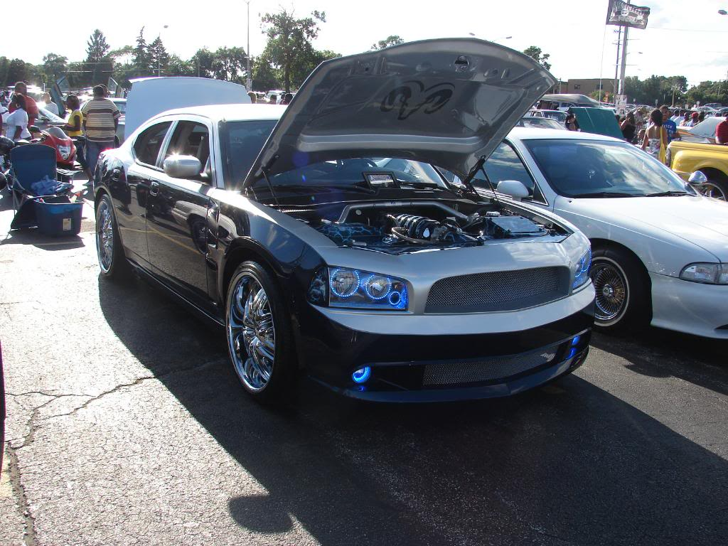 Pics from the WGCI car show today DSC04225