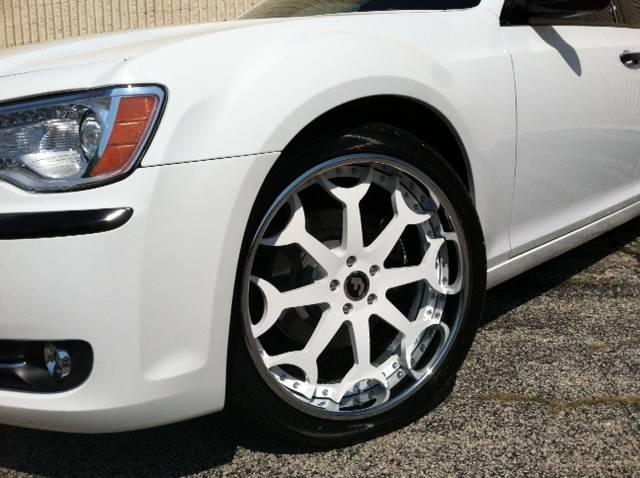 shawns wheels installed...  Photo89