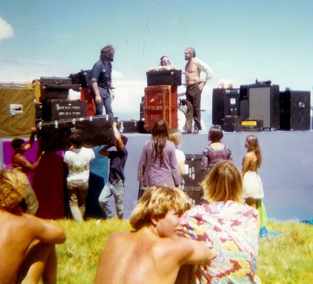 Maui (Haleakala Crater) : 30 juillet 1970 [Second concert] 583043996acf235d85bd7d34aab9ea40