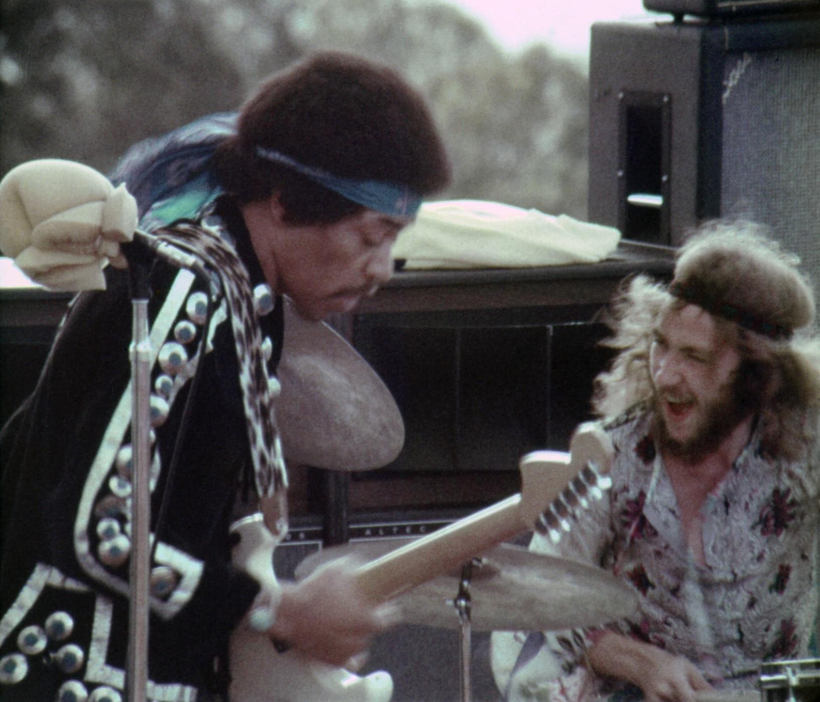 Maui (Haleakala Crater) : 30 juillet 1970 [Second concert] 40ac8a1624548c6100c83f6977b3195a