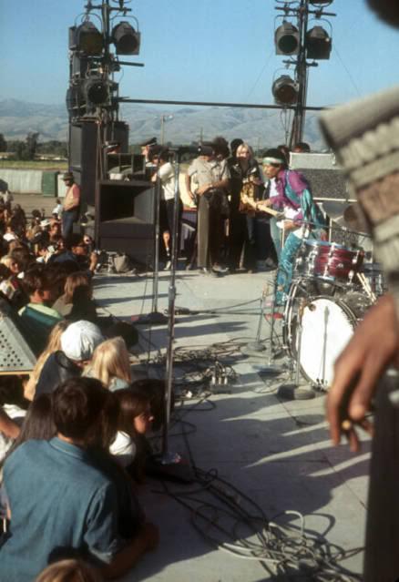 San José (Santa Clara County Fairgrounds) : 25 mai 1969 D65e7b6b4d9de4ae0b4d4c759651a61e
