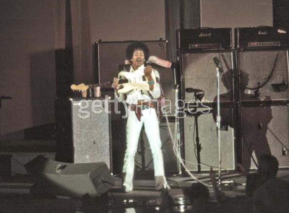 Hollywood (Hollywood Bowl) : 14 septembre 1968 F06520e0e93baaaad98045a3e525eb89