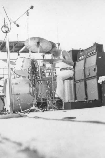 Miami (Miami Pop Festival) : 18 mai 1968 [Premier concert] Cd9af9ca57bfc49f17cab7e677ad77c2