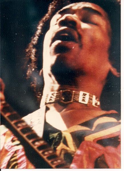Blue Wild Angel: Jimi Hendrix Live At The Isle Of Wight (2002) - Page 2 C47b1c1438fcef715208b2a678ebf01b