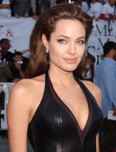 Figli della stessa donna senza essere fratelli Angelina-jolie-picture-1