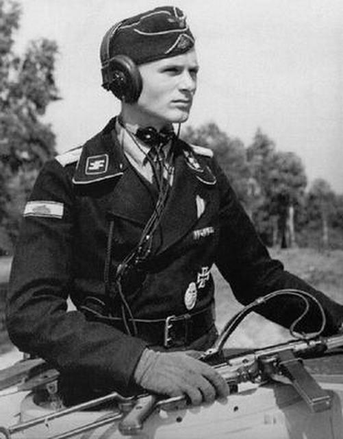 Tankiste allemand Verlinden Waffen-SSPanzerofficer_zpss9wfklaz