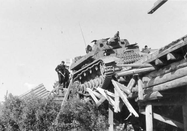 Un King Tiger Ausf. B en mauvaise posture Dificulteacute%202_zpsyqjw2imi