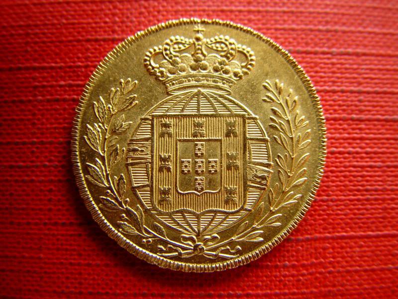 PEÇA (6400 Réis) D. João VI, 1823 - Ouro PORTUGAL DSC09137_zps141089ac