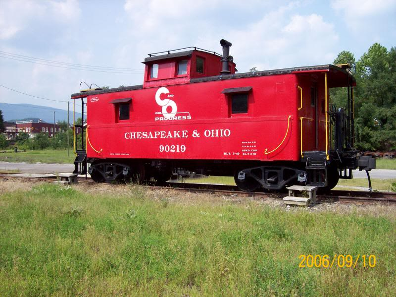 Do you remember a caboose at the end of a train? Picture054_zpsa9b4a37d