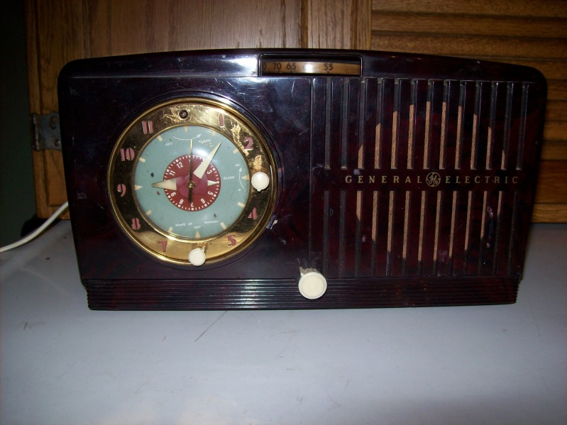 Restoration of a 1950 GE clock radio   Pics2012046