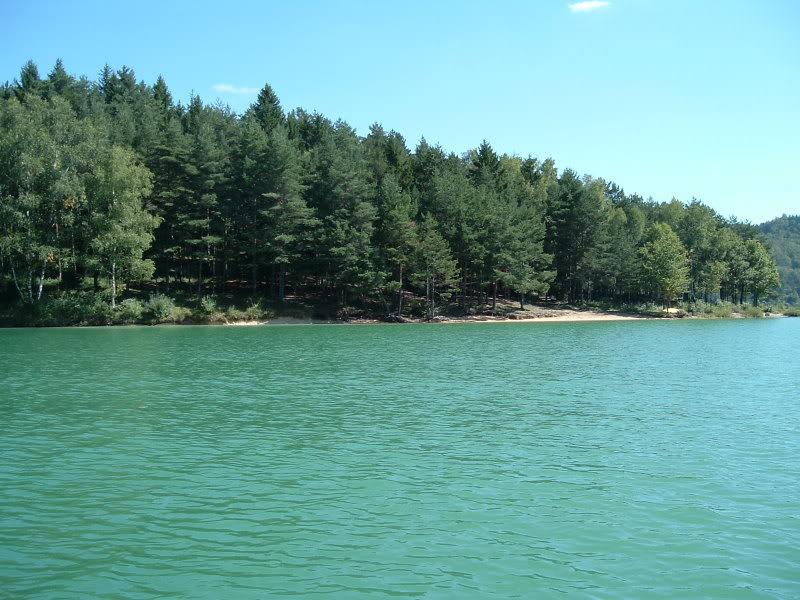 Jura (39) : mise a l'eau lac de vouglans Lacvouglans014