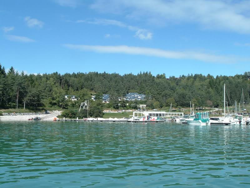 Jura (39) : mise a l'eau lac de vouglans Lacvouglans015