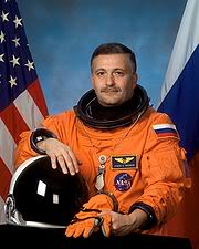 Contacts avec les extraterrestres: l'Humanité n'est pas prête (cosmonaute) 180px-Yurchikhin