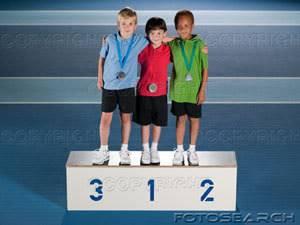 La importancia de envejecer Ninos-ganadores-podio_IE138-006