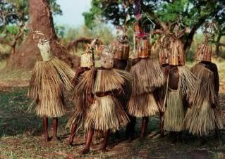 Ritos y ceremonias: Importancia educativa personal y social de las tradiciones Ritual-de-iniciacion-en-malawi-afri