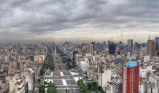 Para entender a la Argentina y a los argentinos Buenos_Aires_-_Monserrat_-_Avenida_9_de_Julio_2