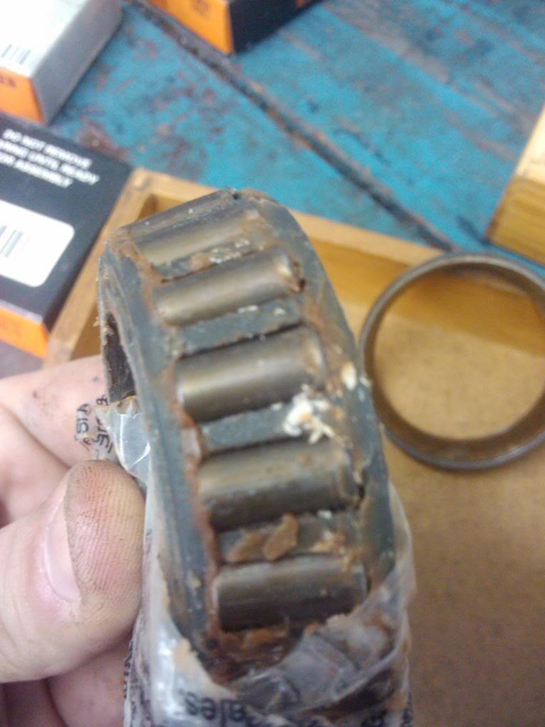 Rolamento de roda condenado 2013-01-17090636_zps63426e13