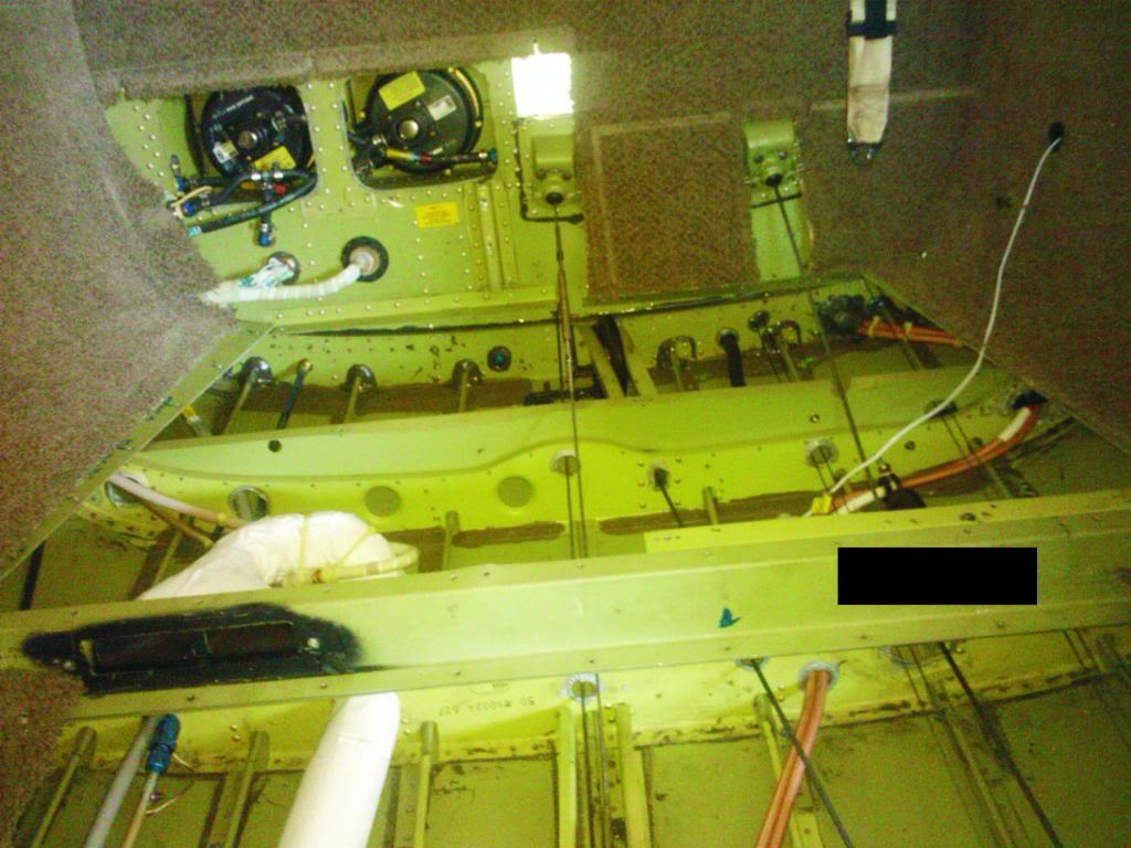 Nas entranha de um King C-90 Figura1-1_zps70bafad1