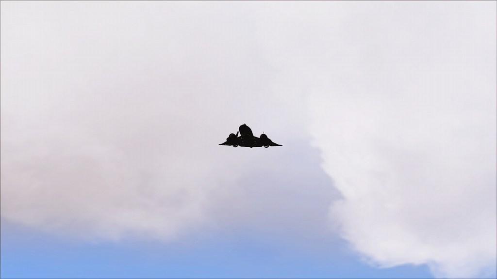 Indo para a maior feira militar  Mini--2012-jun-15-042