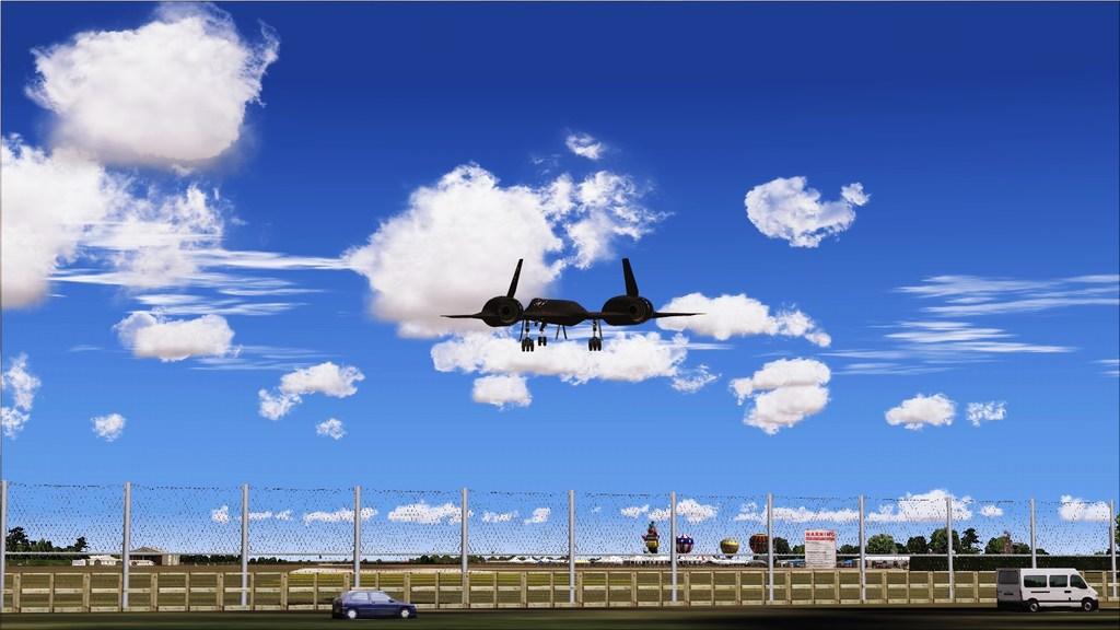 Indo para a maior feira militar  Mini--2012-jun-15-046