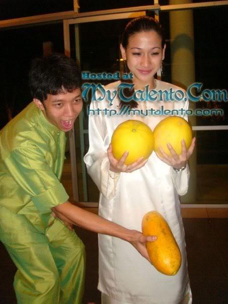 Gambar Panas Sharifah Jasmine Soraya, Peserta Gadis Melayu Musim Ke-2 Bersosial! 13-4