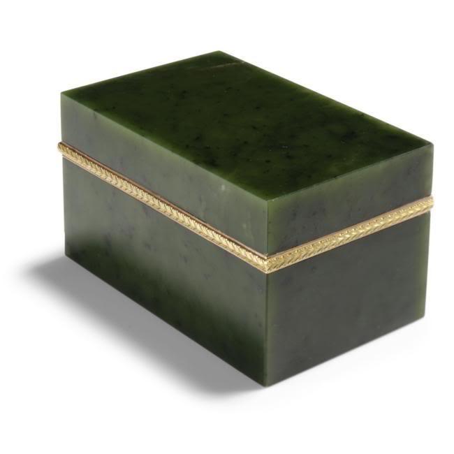 Casa Fabergé - Página 4 L07113-428-lr-1