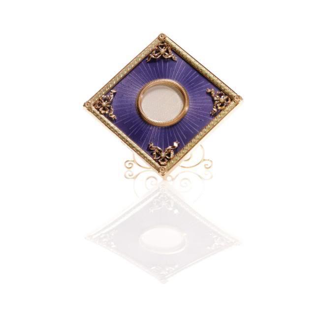 Casa Fabergé - Página 6 L07116-543-lr-1
