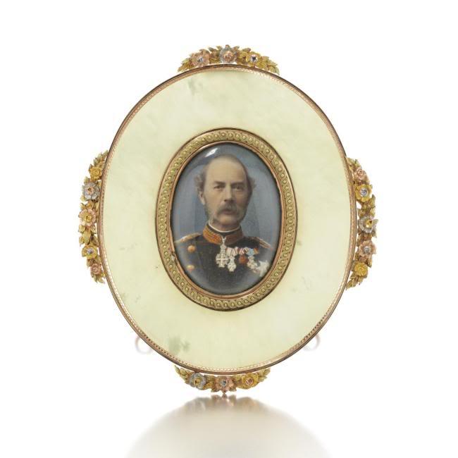 Casa Fabergé - Página 12 L08911-9-lr-1