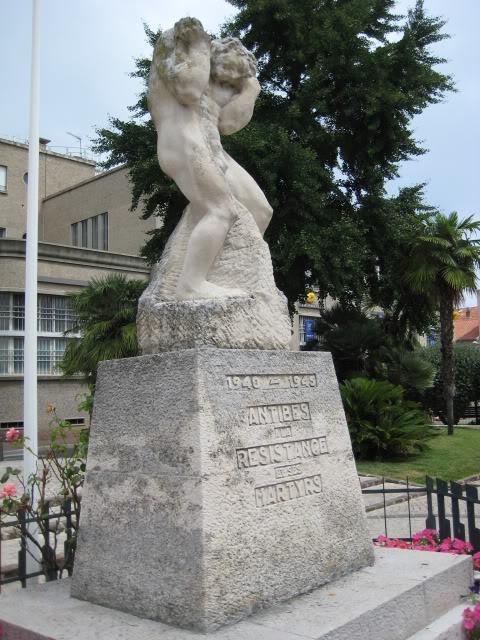 French War Memorials... 018-5