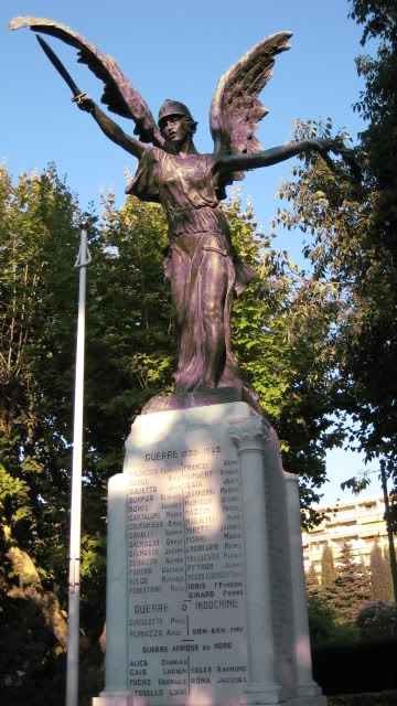 French War Memorials... 036-2