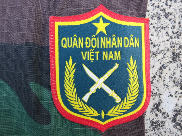 Vietnamese Green & Camo Uniforms, badges, etc... 328_zpsovhqattv