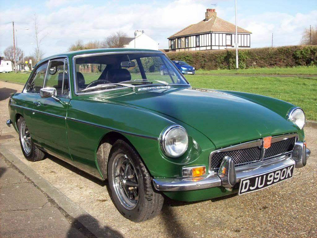 MGB GT 1972 Automatic NOW SOLD 100_6973_zps44367dd5