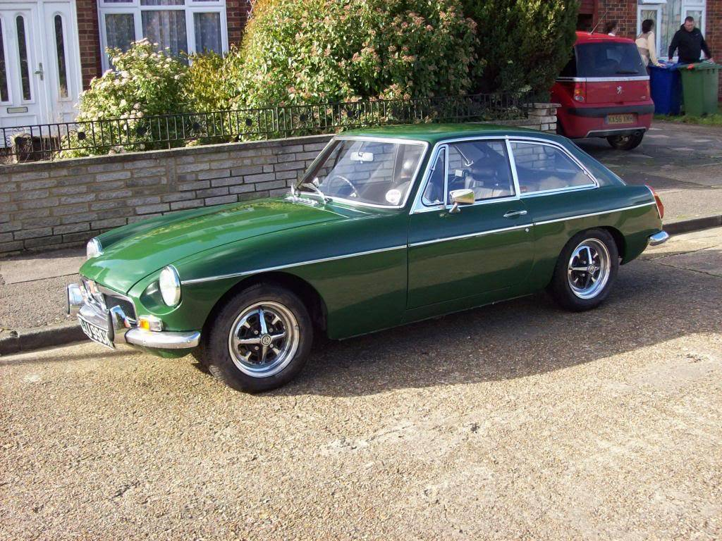 MGB GT 1972 Automatic NOW SOLD 100_6975_zpscd3268af