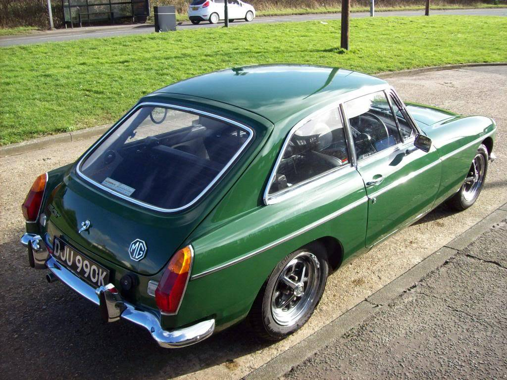 MGB GT 1972 Automatic NOW SOLD 100_6976_zps4ae27cf6