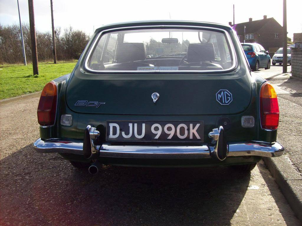 MGB GT 1972 Automatic NOW SOLD 100_6977_zpsb36ea245