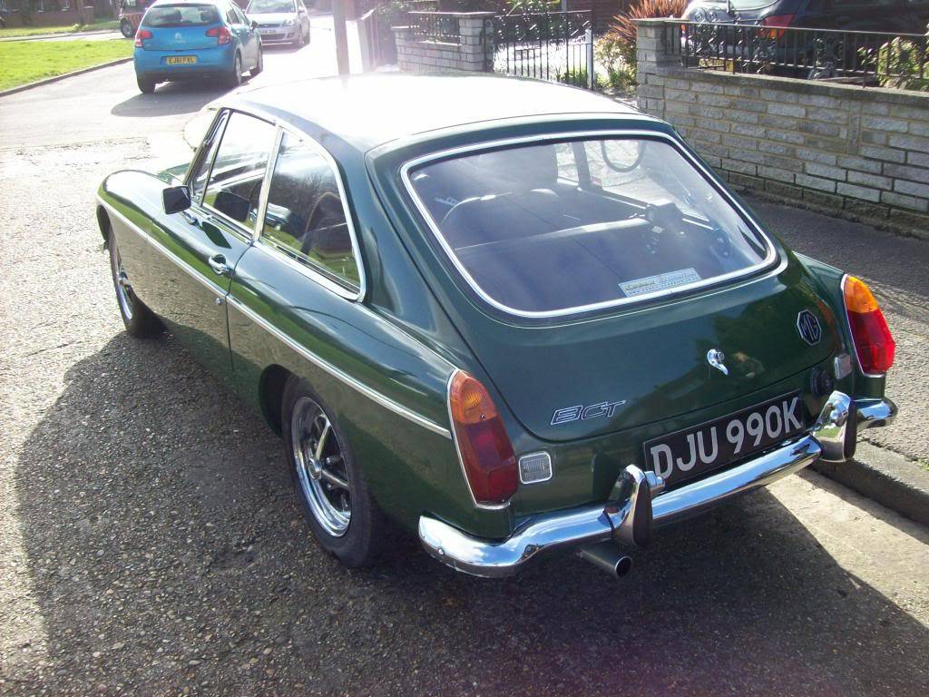 MGB GT 1972 Automatic NOW SOLD 100_6978_zpsd29eb1bd